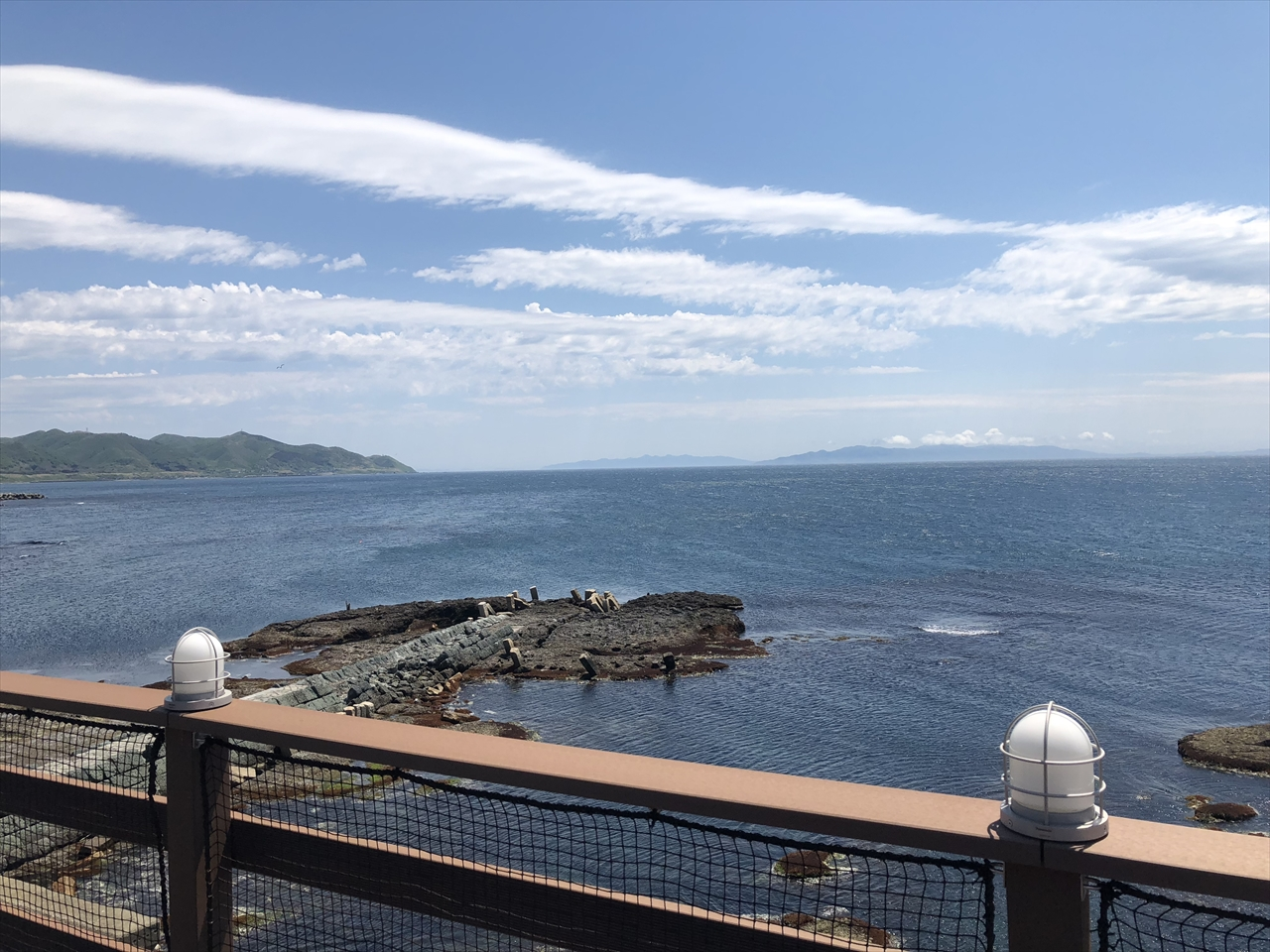 テラス眼下には日本遺産に指定された「福山波止場」があります。